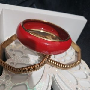 Jewelry - Bracelets in a gold tone and one red